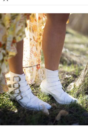TOGA PULLA Buckle Cowboy Metal Western Short Boots