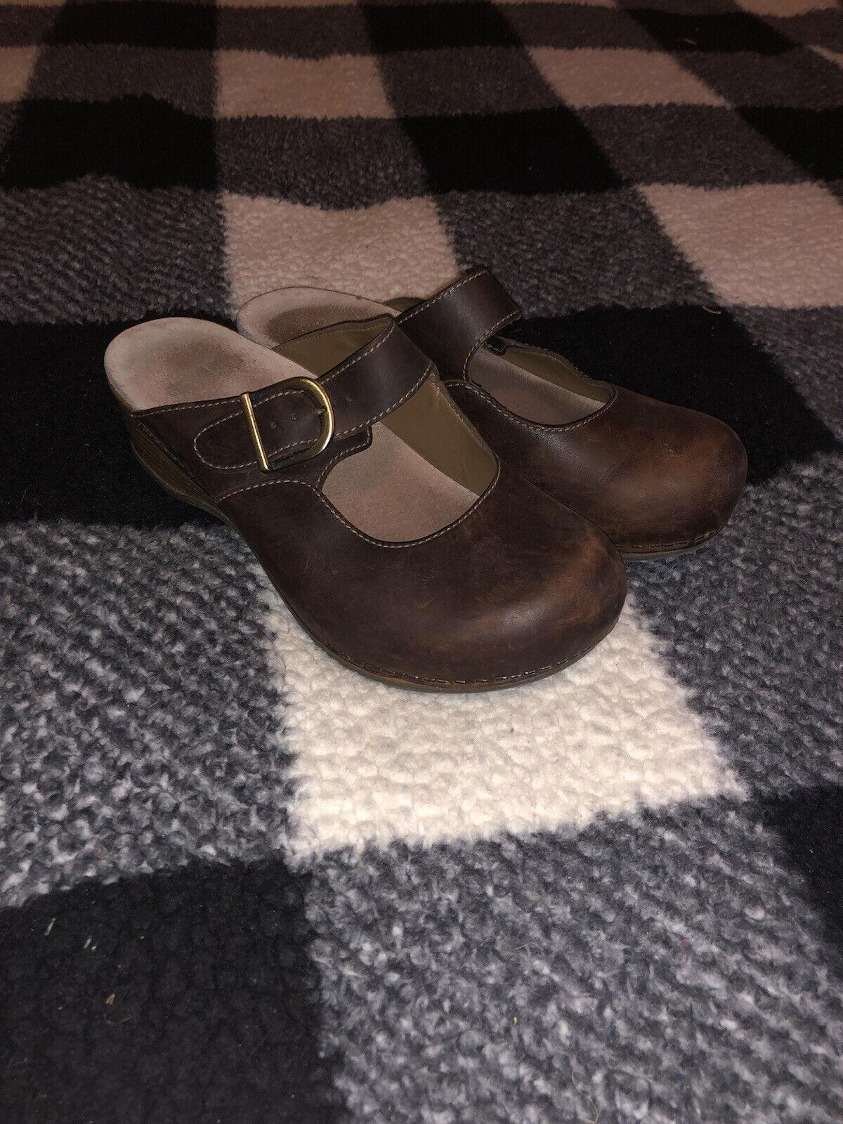 Dansko Britney Brown Clogs Waxy Burnished Leather Women's -- Size EU 38