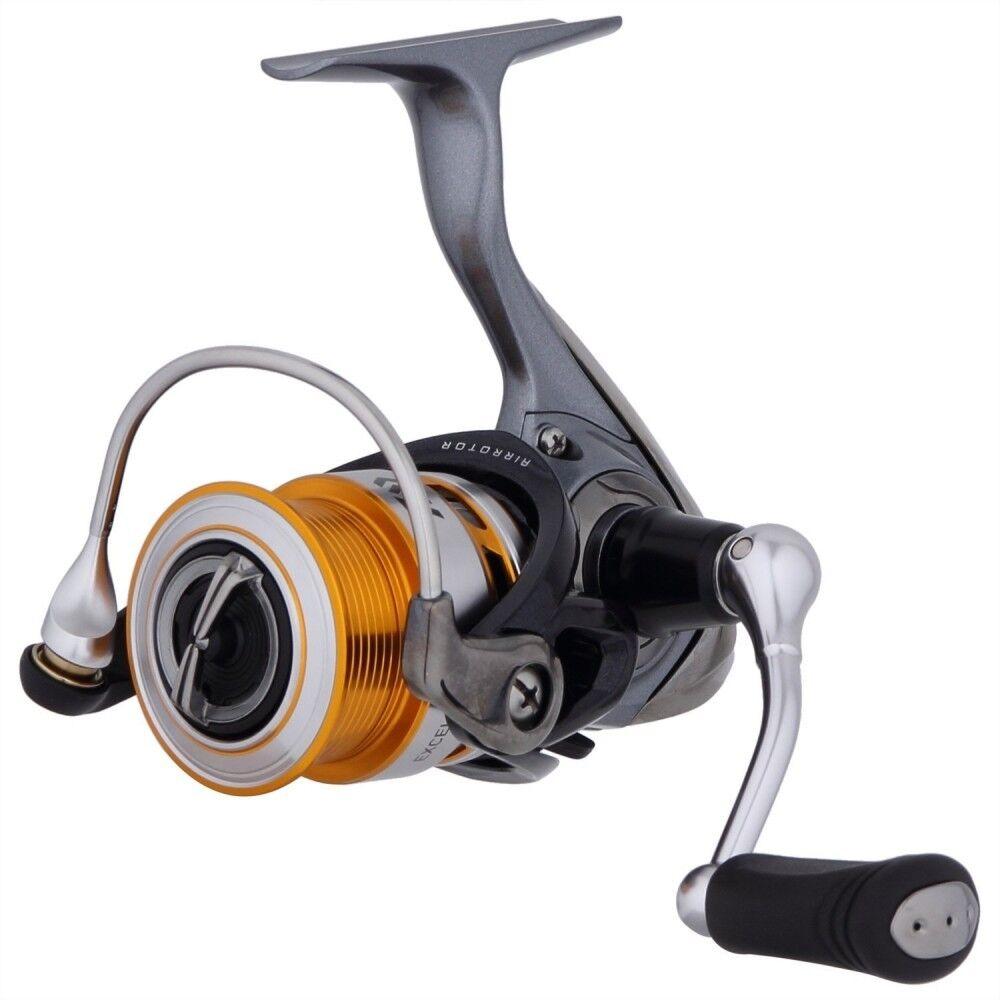 Daiwa Spinning Cocheretes 17 Exceler 2004 (tamaño 2000) para la Pesca de Japón