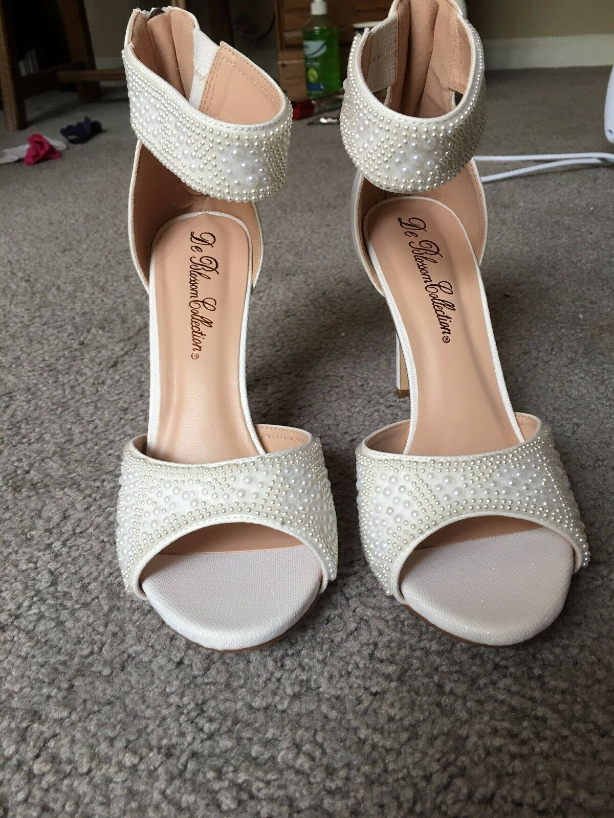 women's wedding bridal shoes, white pearl, size 8, never before worn