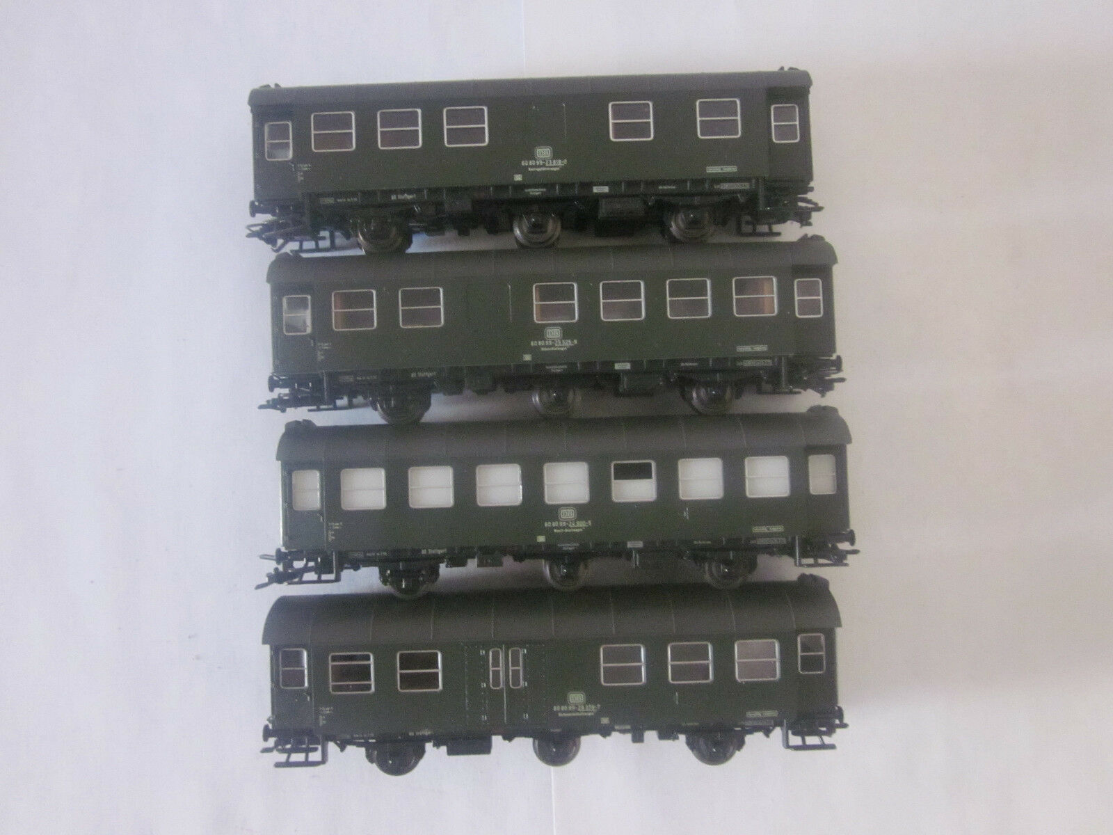 ROCO 4 x 3-assiali vagoni verde TOP