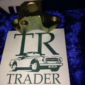 Triumph-TR5-TR6-steering-clamp-156270-adaptor-coupling-columb-used