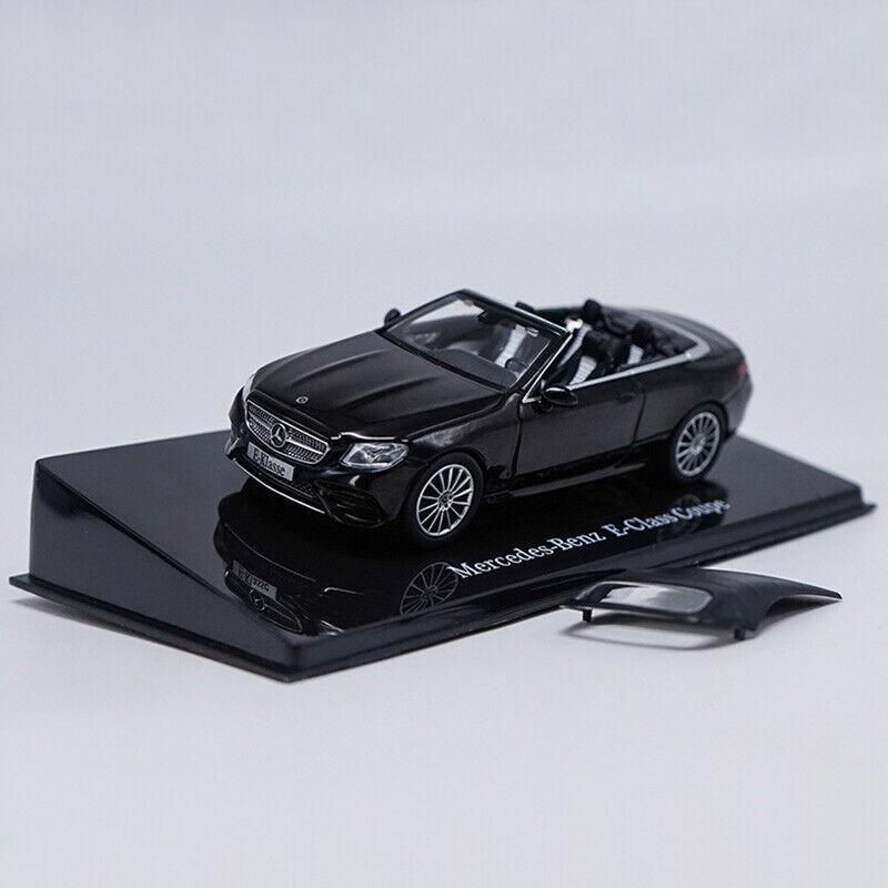Mercedes-Benz E-Klasse Coupé silber Maßstab 1:32 von bburago
