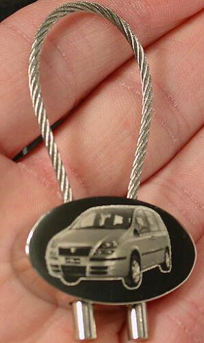 Fiat Schlüsselanhänger verschied Modelle Gravur New 500 X19 Spyder 500F usw.