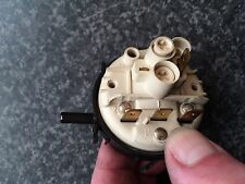 Hotpoint wd63 Asciugatrice Interruttore a pressione/Valvola