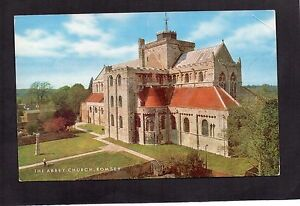 ABBEY-CHURCH-ROMSEY-HAMPSHIRE-POSTALLY-USED-SALMON-POSTCARD-1978