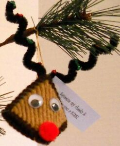 Reindeer-Ornaments-Kiss-Squeeze-My-Cheeks-Christmas-Holiday-Decorations