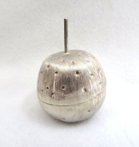Vintage-Mexican-925-Sterling-Silver-Apple-Trinket-Pill-Box-37g