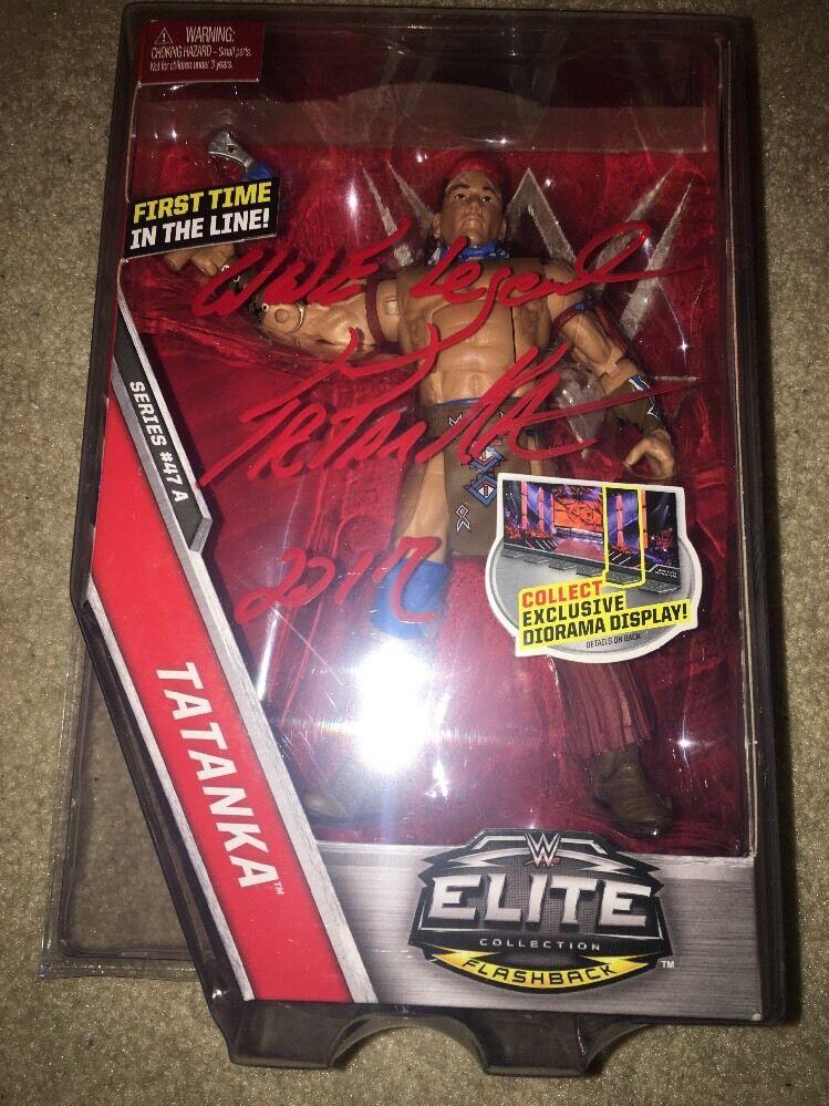 Tatanka Wwe Mattel Elite 47A firmado  WWE Leyenda 2017  serie de Flashback