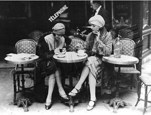 2-WOMEN-in-PARIS-Cafe-FRENCH-Vintage-Fashion-CANVAS-Antique-PHOTO-Art-PRINT