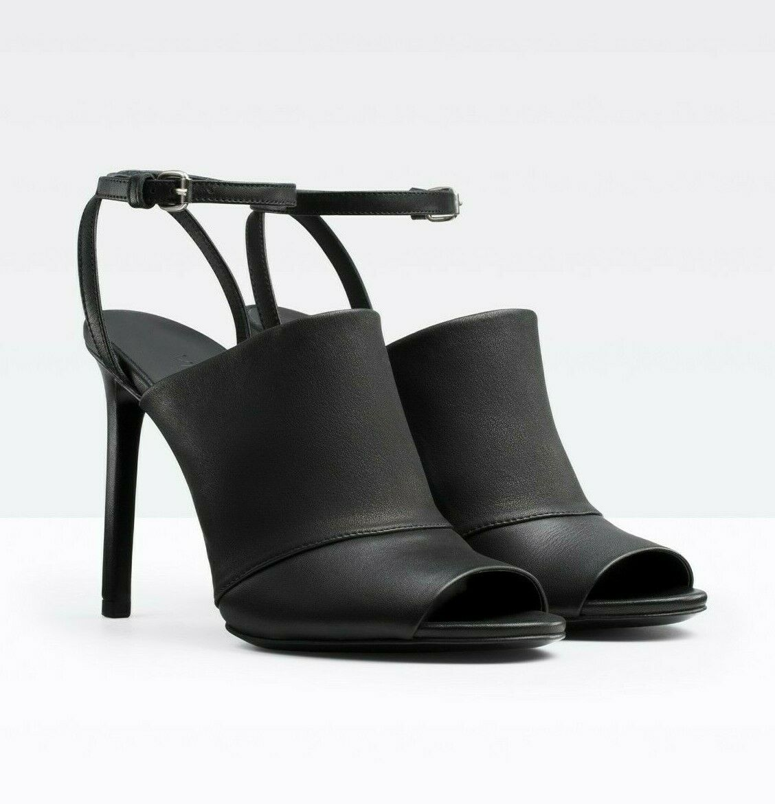 Ultimo 2018 Vince Grace nero Leather Donna  High High High Heels Sandals Dimensione 8 M  divertiti con uno sconto del 30-50%