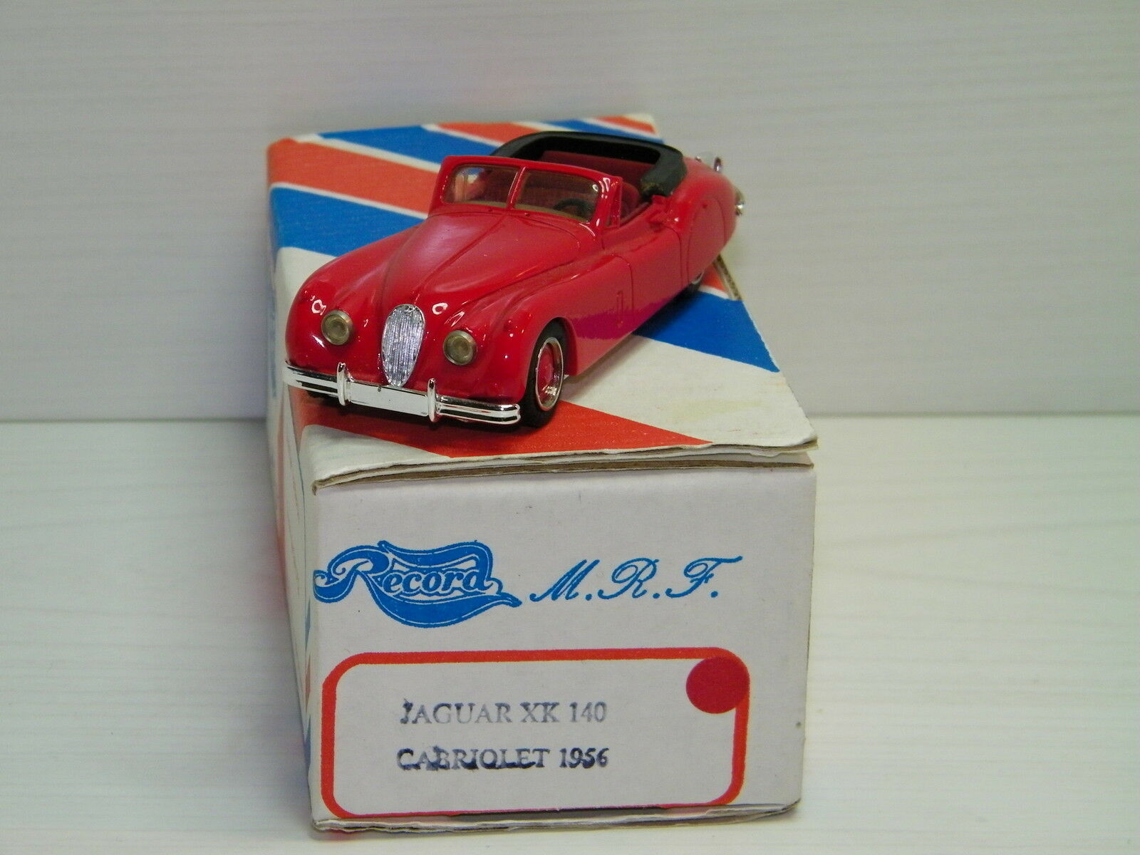 KIT RECORD - JAGUAR XK 140 CABRIOLET 1956 ROUGE