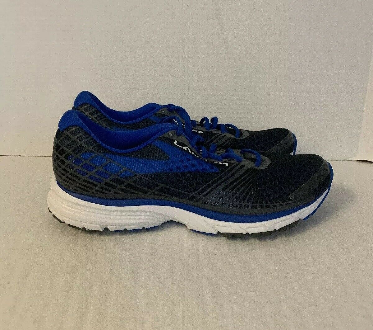 BROOKS LAUNCH 3 Para hombres Zapatos deportivos atléticos tamaño 10.5 Azul 1102151D105