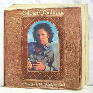 33-tours-GILBERT-O-039-SULLIVAN-Vinyl-Record-LP-12-034-A-STRANGER-IN-MY-OWN-BACK-YARD