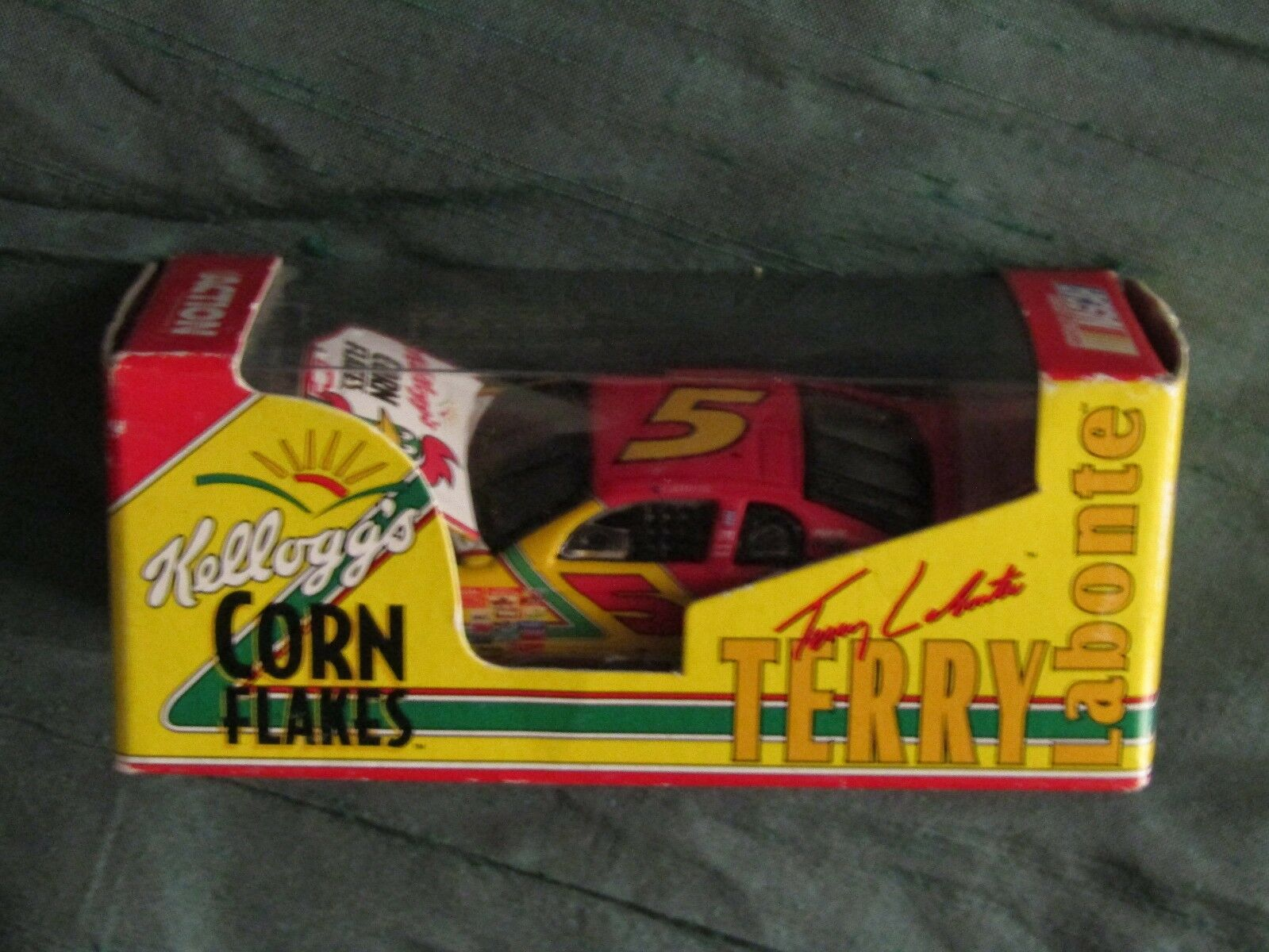 Terry Labonte Kellogg's Corn Flakes Action 1 64 Scale Car limited to 4,500