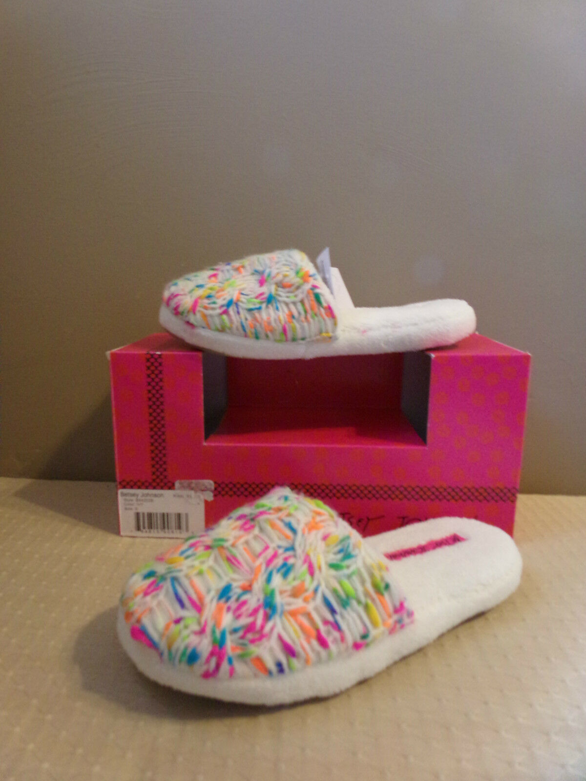 BETSEY JOHNSON WOMENS SLIPPERS IVORY & NEON KNIT SLIDES SCUFFS SIZE LARGE 9 10