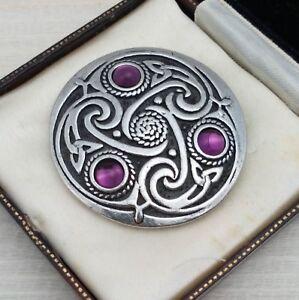 Vintage-Style-Celtic-Knot-Silvertone-Round-Shield-Brooch-Pin-Amethyst-Purple