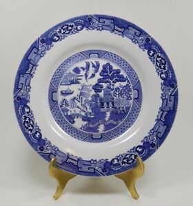 Royal-Cuthbertson-Blue-Willow-8-034-Plate-Made-in-China-Dishwasher-Safe