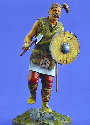 Verlinden 200mm (1/9) Celtic Warrior with Axe & Shield (Base not included) 2464