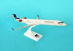 SKYMARKS-SKR473-SCANDINAVIAN-AIRLINE-CRJ-900-1-100-SCALE-PLASTIC-SNAPFIT-MODEL