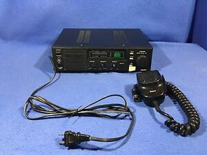 WORKED-40-Channel-Base-amp-Portable-CB-W-Mic-amp-Manual-Realistic-TRC-492-Navajo