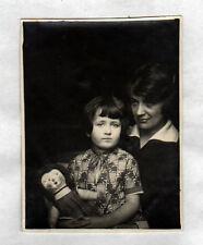 Photo Amateur / JEUX D'ENFANT , FILLETTE & POUPEE de CHIFFON / BOURGES (18) 1927