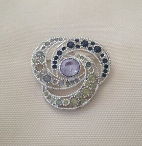 GORGEOUS LARGE VINTAGE BROOCH IN 4x COLOURS OF RHINESTONES