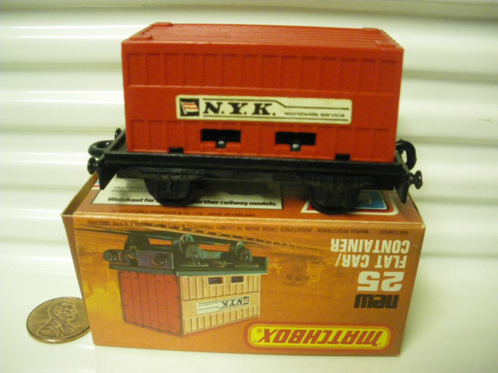 LESNEY MATCHBOX 1977 MB25C RED RED RED NYK CONTAINER FLAT CAR C9 MINT IN NEW MINT BOX 17b422