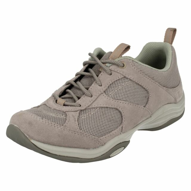 87e300ccd91 Ladies Clarks Trainers Style - Inwalk Air Light Grey US 5 D