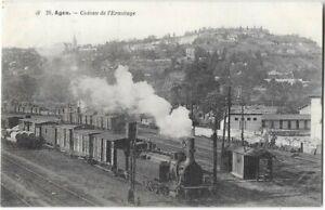 AGEN-47-chemin-de-fer-interieur-de-la-gare-train