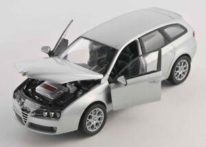 BLITZ-VERSAND-Alfa-159-Sportwagon-silber-silver-1-24-Welly-Modell-Auto-NEU-OVP