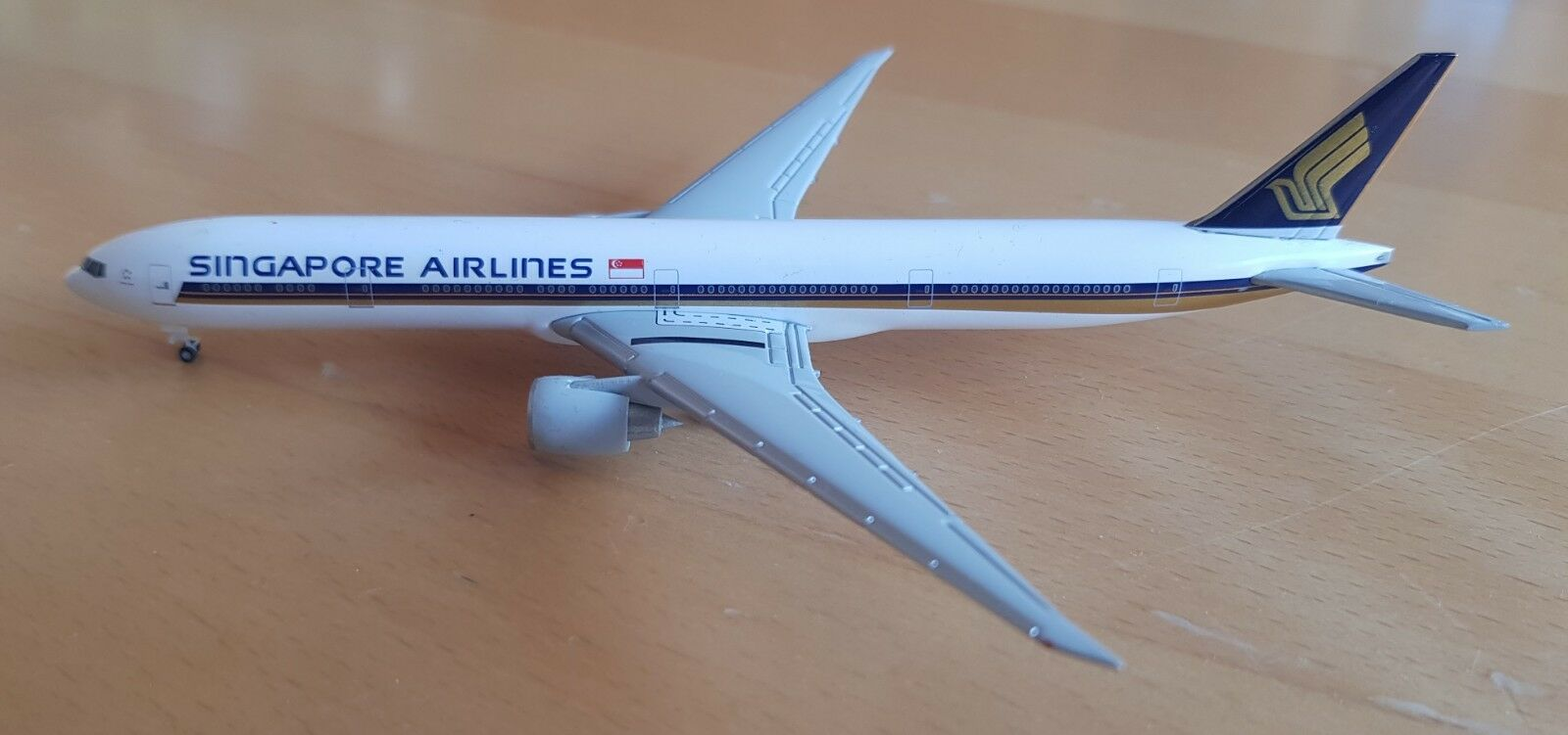 Herpa 524858 Singapore Airlines 777-300er onboardshop-modèle 1 500