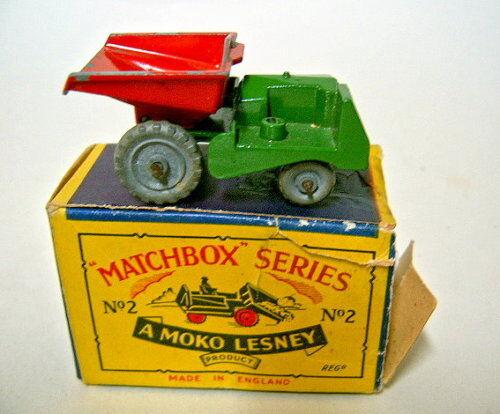 hermoso Matchbox Matchbox Matchbox RW 02b Dumper rojo verde & ruedas de metal con Moko Box  ahorrar en el despacho