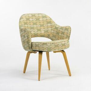 2020-Eero-Saarinen-for-Knoll-Executive-Arm-Chair-w-Wood-Legs-amp-Abacus-Fabric