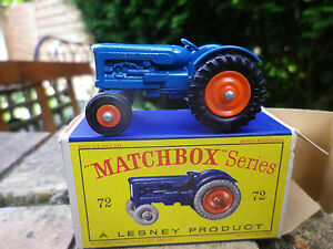MATCHBOX-LESNEY-n-72-FORDSON-TRACTOR-ruedas-naranja-pic-nic-caja-original