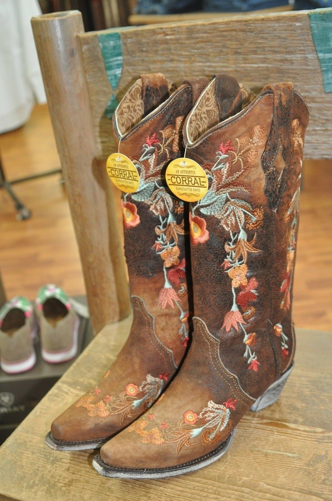 Corral A3597 Floral Embroidered Lamb Boots