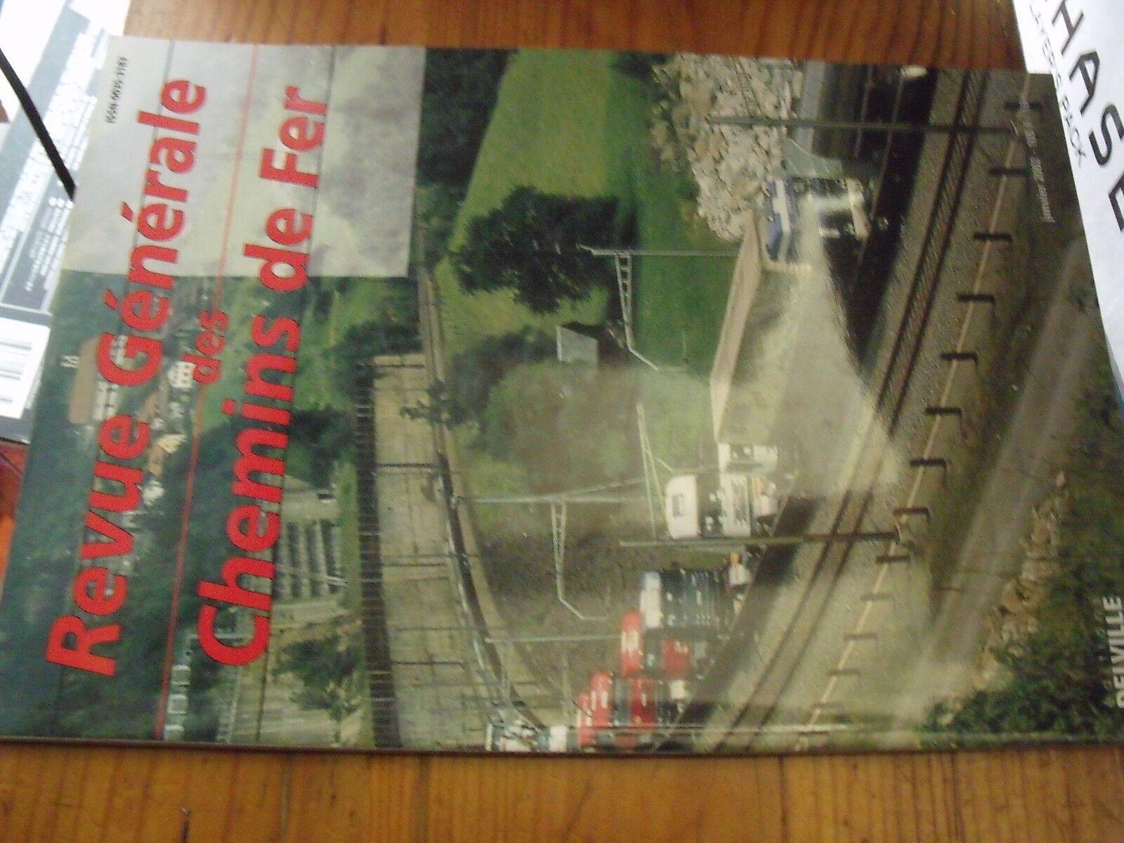 RGCF Revue Generale des Chemins de Fer 01 2002 Camions sur train BB 36000 E 402B