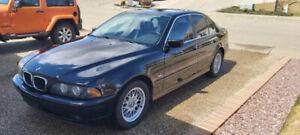 2001 BMW Série 5 525i