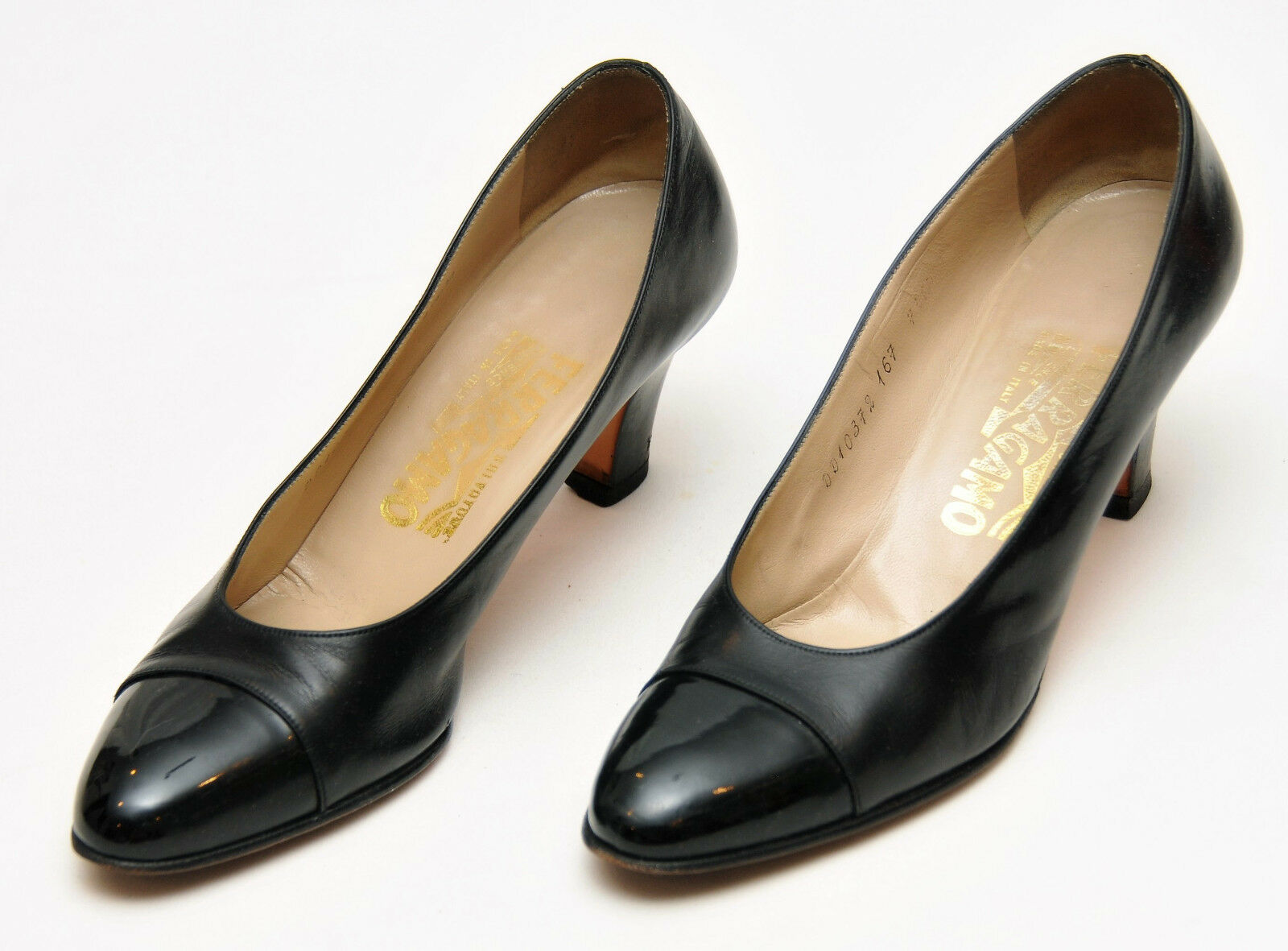SALVATORE FERRAGAMOWOMEN'S BLACK LEATHER PATENT TOE HEELSSIZE 7.5 AAAA