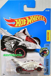 HOT WHEELS 2017 STREET BEASTS TURBO ROOSTER #1/10 WHITE