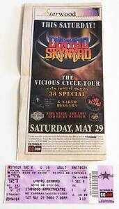 LYNYRD SKYNYRD rare billet ticket concert Tennessee USA 29/05/2004 - France - LYNYRD SKYNYRD rare billet ticket concert Tennessee USA 29/05/2004Original used ticket Ticket original et utilisé collectionnerEtat excellent / Excellent conditionTicket rare avec une coupure de journal / Rare ticket + newspaper cutting Envoi ra - France