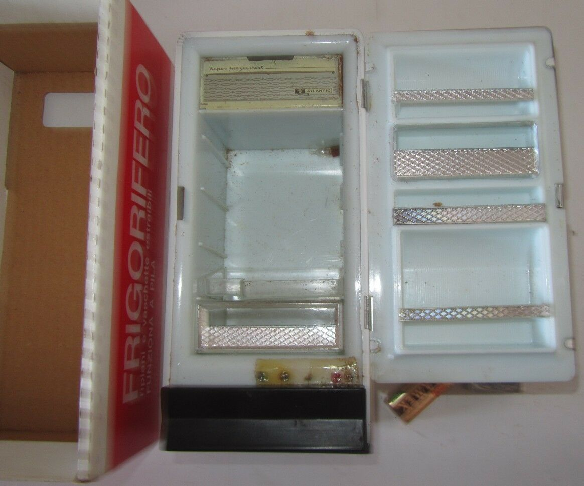 Frigorifero Giocattolo Casa delle delle delle Bambole anni 60 con accessori SPESE GRATIS 50ac36