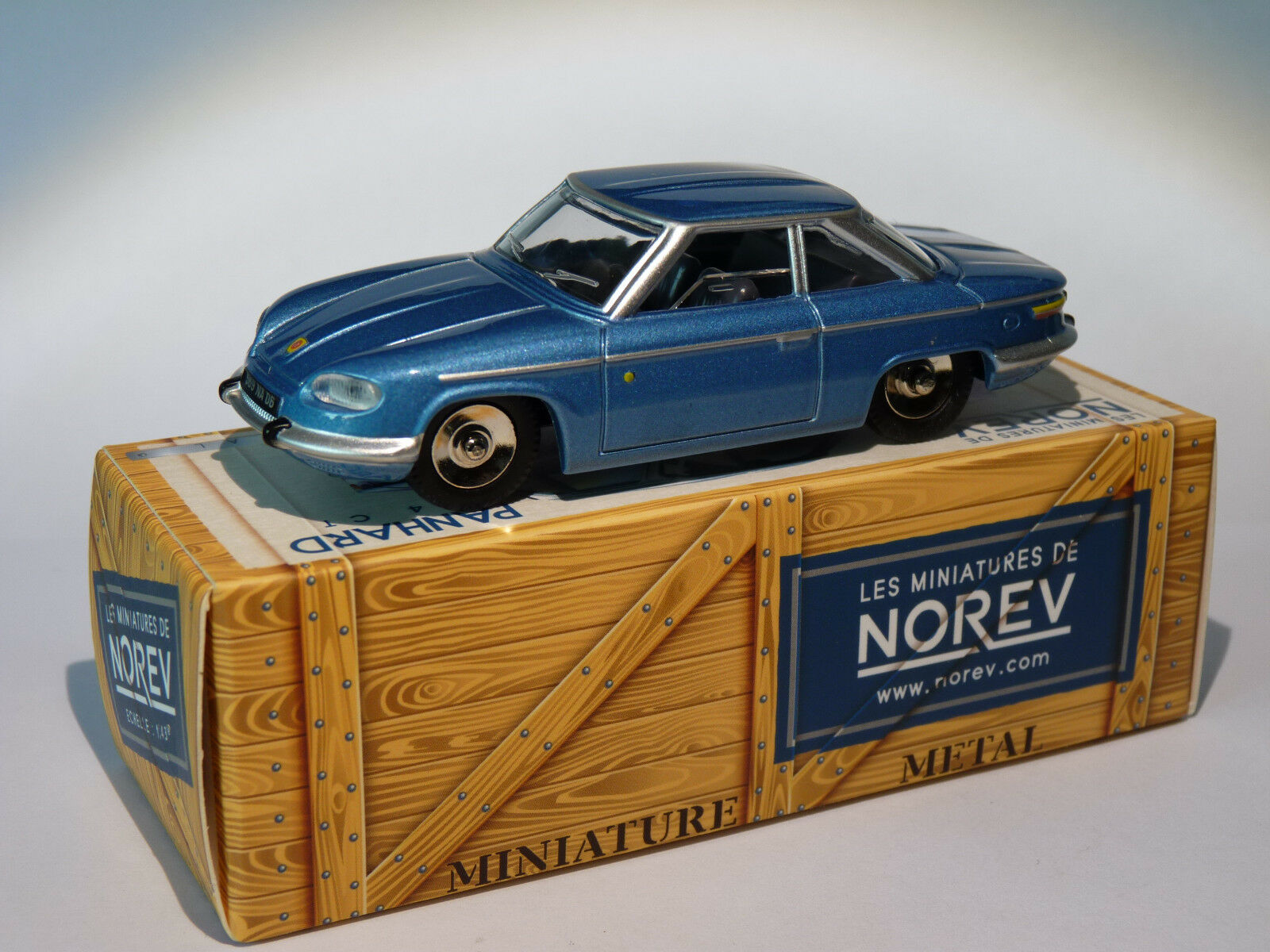 Panhard 24 CT at the 1 43 of norev   design as dinky toys solido cij