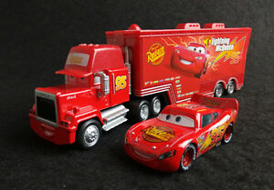 Disney-Pixar-Cars-No-95-Rust-eze-Lightning-McQueen-amp-Mack-Hauler-Truck-Lot-of-2