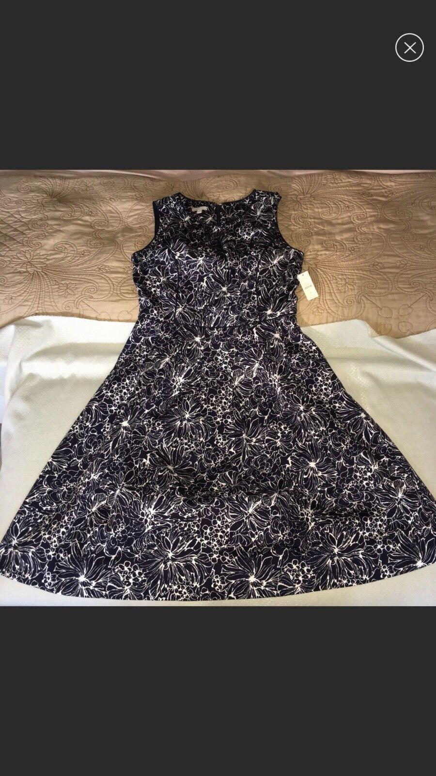 fce1aaf7f6ed4 Talbots Talbots Talbots Petite NWT Navy White Floral Print Dress 6P 43ebbf