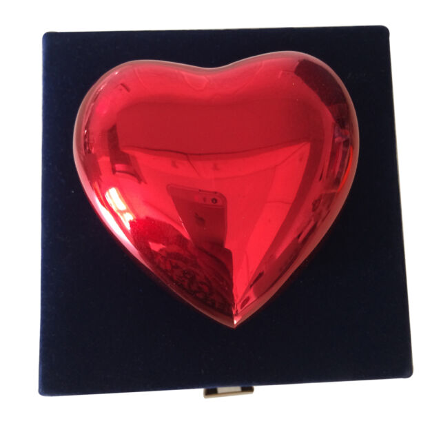 Red Classic Heart Keepsake Urn With Stand, Mini Cremation Urn for Ashes