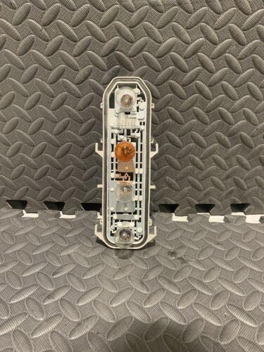 X1 RENAULT CLIO MK2 Feu Arrière Ampoule Titulaire Conducteur//Passager NSF OSF