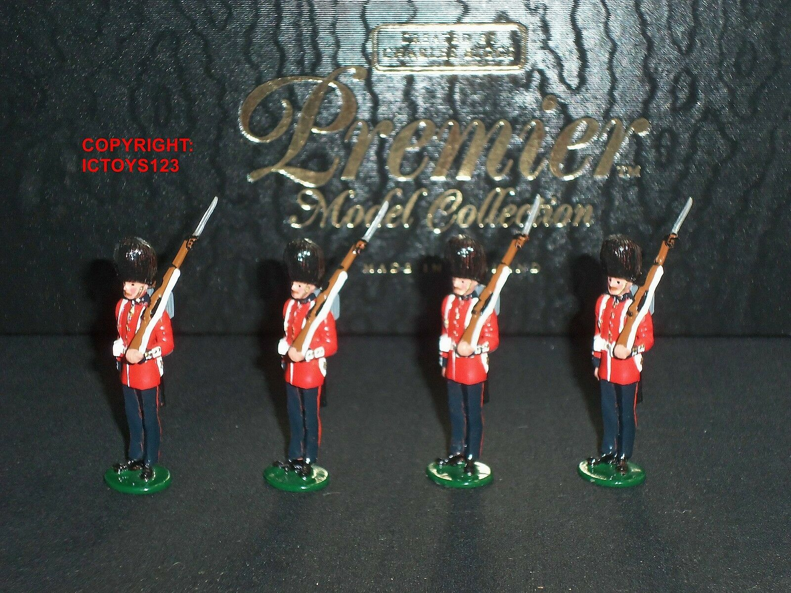 CHARLES BIGGS PREMIER 2001 COLDSTREAM GUARDS AT ATTENTION METAL TOY SOLDIER SET