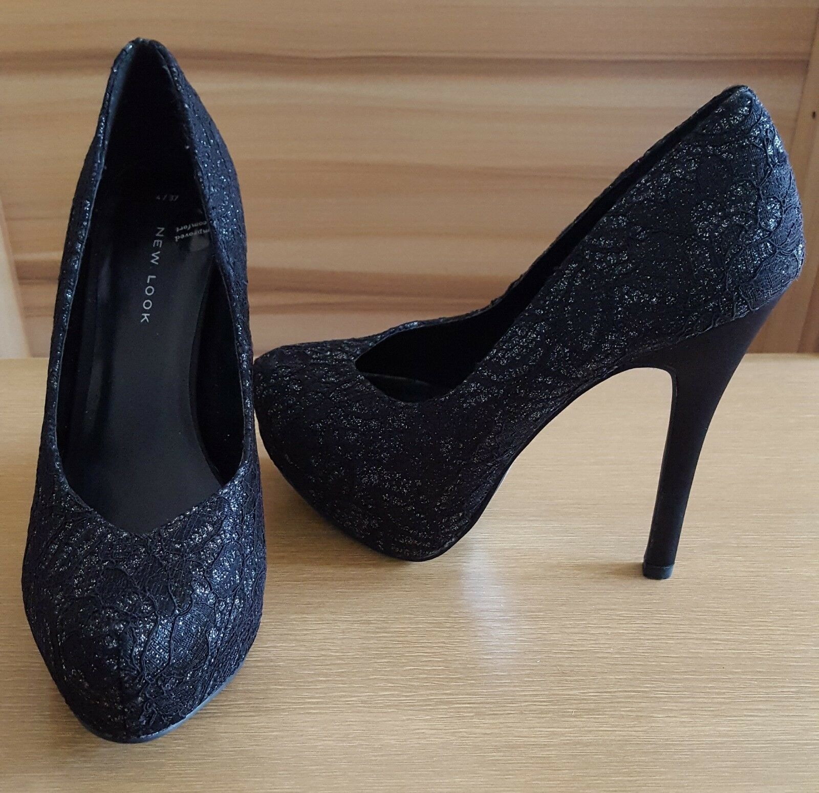 NEW LOOK -  Gorgeous Black with a little silver sparkle Shoes Size 4