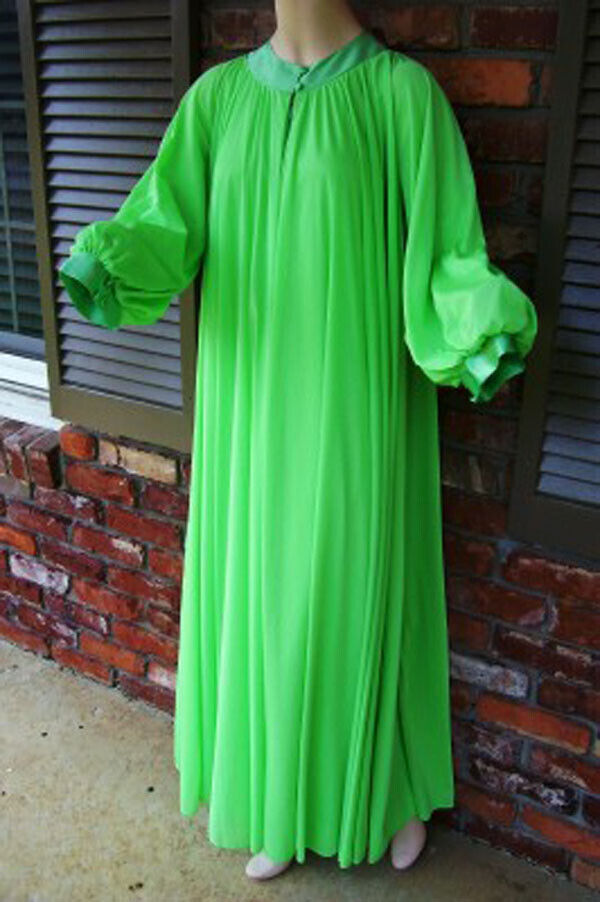 """Vintage LUCIE ANN 306"""" Sweep Dressing Gown or Pei… - image 1"""